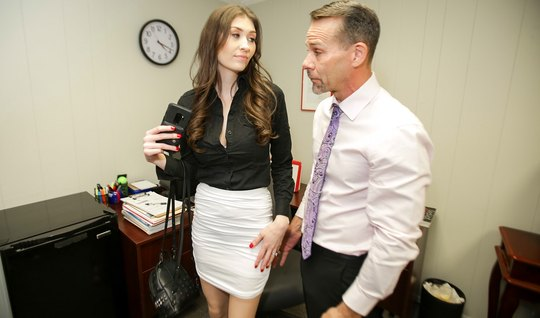 Secretary in stockings right in the office pussy inserts in the pose of cancer