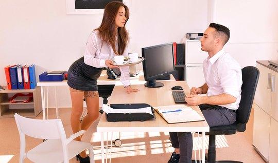 Secretary in stockings entertains her boss hot sex