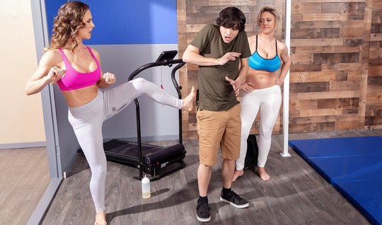 Two matures in brazzers leggings fulfill a dude's sexual fantasy