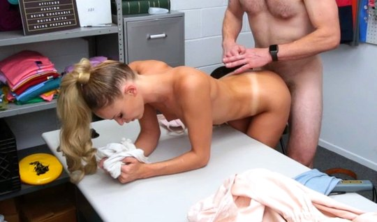 In the office, a strong man fucks a slender blonde with cancer and pours heat into her pussy