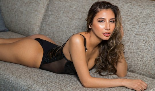 A brunette in lingerie after kissing stood in a pose with cancer and had sex