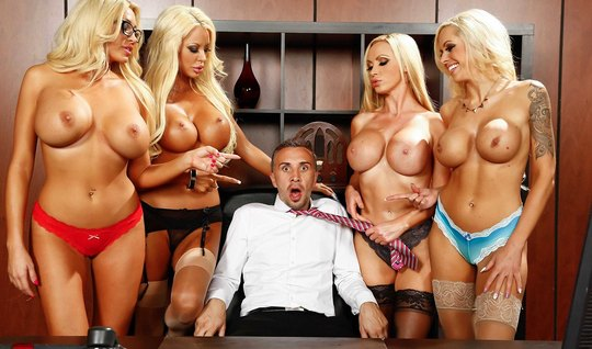 The man on the couch in the office arranged a group sex with blondes with big milkings
