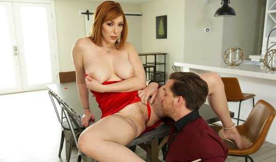 Redhead mom with big milkings after Cooney substitutes a juicy slit for whipping