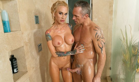 Blonde with a lush milkings did the guy in the suit a good massage