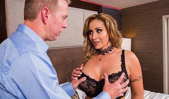 The nurse pumped with big milkings Fucks with lover in hotel