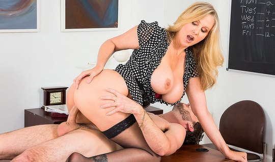 Busty blonde inserts milking and pussy for sex on the table