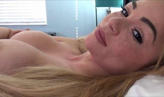 Beautiful blonde starred in home porn first person