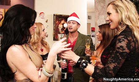 New years eve slutty ladies having an Orgy