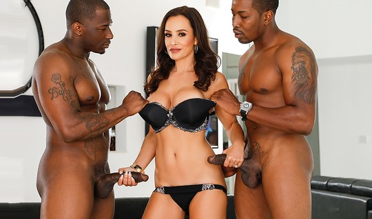 Babe with big milkings receives from blacks double penetration