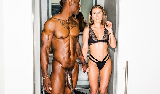 Negro with a big dick at the casting of the eagerly fucking a young woman