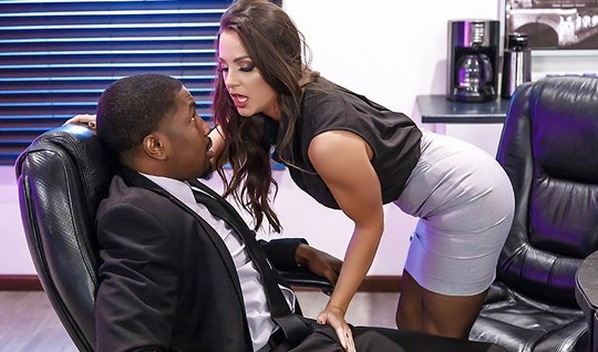 Slutty babe with big Tits fucked with the boss