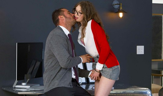 Brunette in glasses seduced by boss and fucked him creamy pussy on office Desk