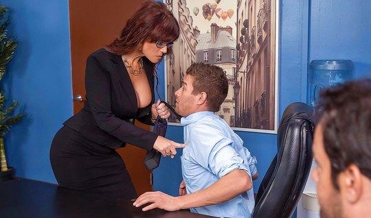 Business woman Fucks boss on office Desk closeup
