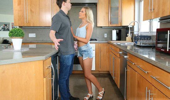 Husband banged thick trunk between her buns in the kitchen Apostol blonde