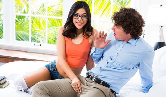 Bespectacled girl invited the student to fuck her hairy pussy