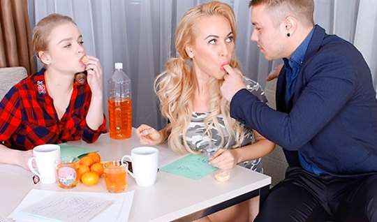 Russian Nicholas suggested kalibri and Busty blonde to do anal in an Orgy