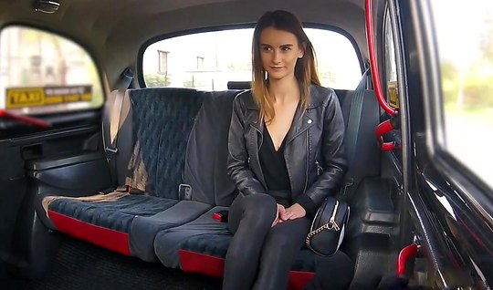 A young girl is undressed in the car and by getting laid with a man had an orgasm