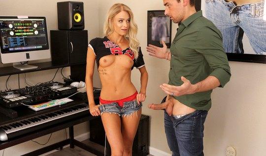 Beautiful blonde in a music Studio sex