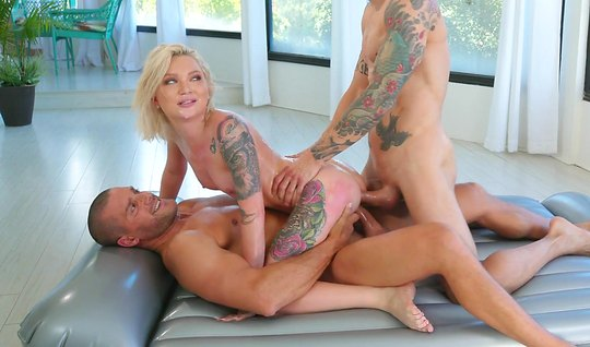 Erotic massage ends with a double penetration with tattooed guys