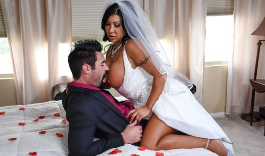 Witness Busty bride Fucks right at the wedding