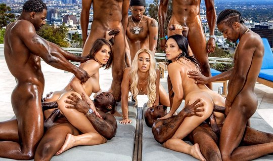 A real Orgy with blacks completed the double penetration and orgasm