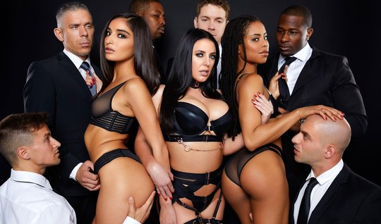 Mulattos are taking part in an Orgy and experience the delight of double penetration