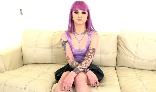 Model with tattoos and purple hair at the casting sucked big dick agent