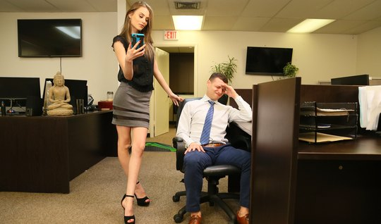 Skinny girl in the office spreads her slim legs for vaginal with a friend