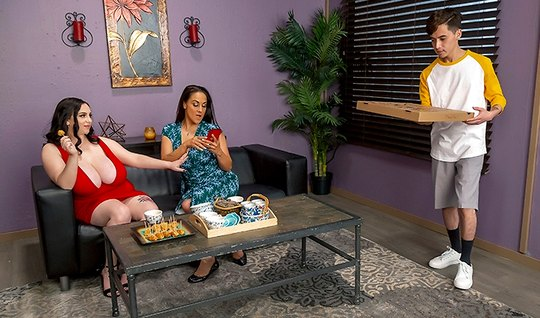 Dam the fat lady in the pose of cancer is moving that pussy on the cock of a young pizza delivery guy