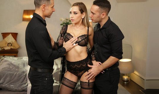 Cute blonde in stockings had experienced pleasure during double penetration