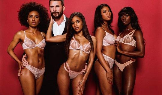 Ebony gave one depraved group sex with orgasm