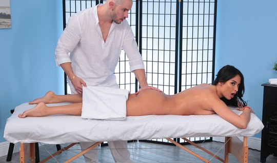 The massage was so relaxing, the brunette with the glasses that she agreed to fuck him in the pink
