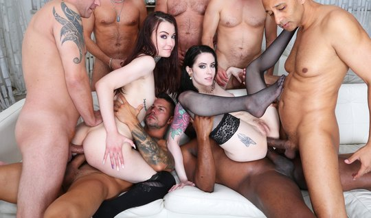 Guys stripped two tattooed girls and staged a unique orgy