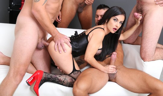 Tattooed girl handles DP and hardcore orgy with soccer team
