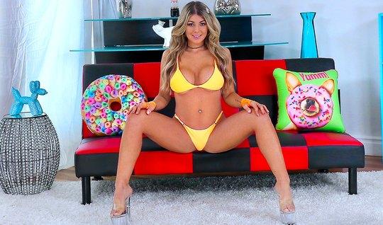 Casting Brings Busty Gorgeous Bikini Model Rough Anal Fuck